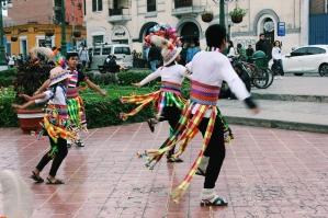 Plaza dancers