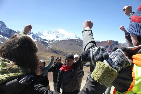 Rainbow Mountain tour guide