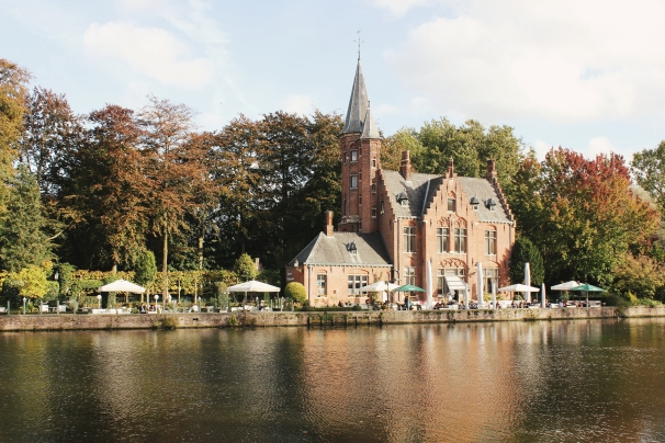 View of Castle Minnewater from across the way
