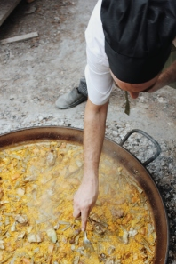 Making Paella Valenciana with a local chef